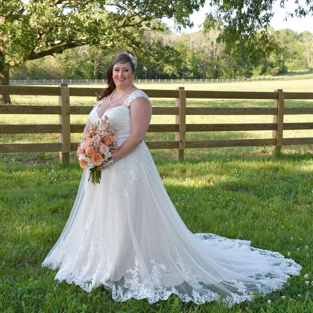 Bridal Blogger Wedding Dress Shopping For Plus Size: Plus Size Brides- Trust Us, We Promise!